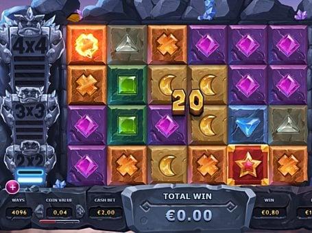 Призовая комбинация символов в игровом автомате Gem Rocks